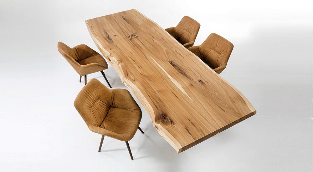 Scholtissek Tische mit Baumkante